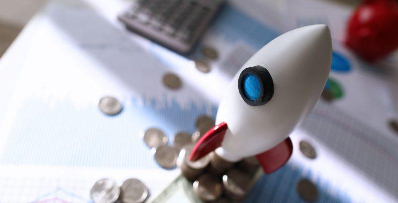 17 Negocios rentables que puedes emprender en Internet