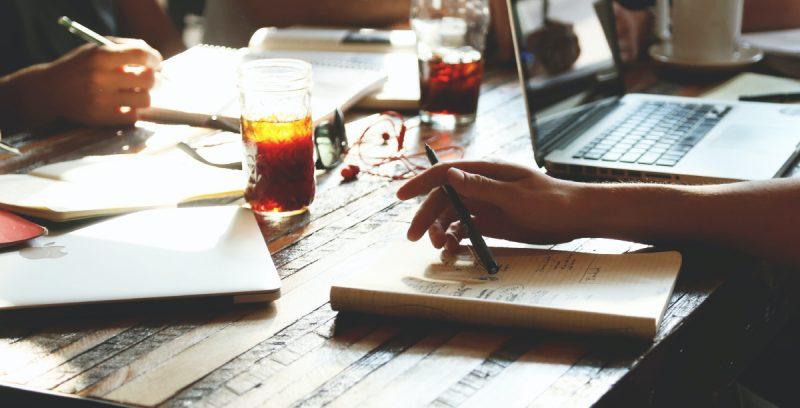 ¿Qué es un equipo de alto rendimiento? Libros y roles en tu empresa