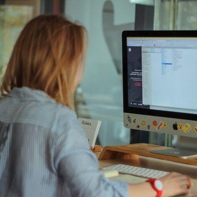 Cómo destacar hoy en día en el sector digital